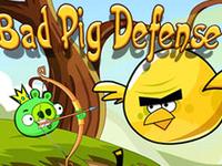 لعبة دفاع الطيور الغاضبة