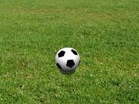 لعبة كرة القدم والضربات الحرة الجامدة